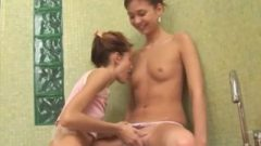 Super Slender Chicks Blowing In The Bath